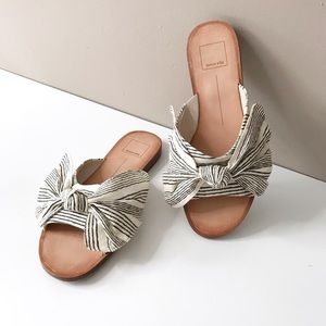Dolce Vita Large Bow Parin Slides Size 6.5
